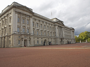 The entrance and rear gardens of Buckingham Palace
