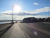 Evening sun along the Exmouth seaq-front by the new buildings