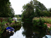 Geldeston lock ( Near the Pub )