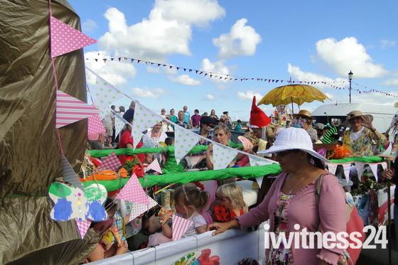 Appledore carnival floats