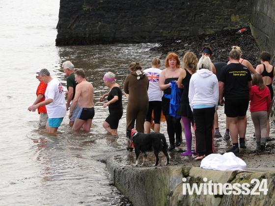 Appledore New Year's Day swim