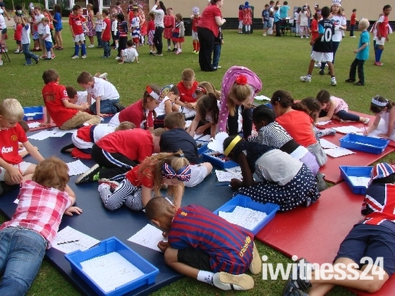 Longmeadow Primary School Diamond Jubilee Lunch