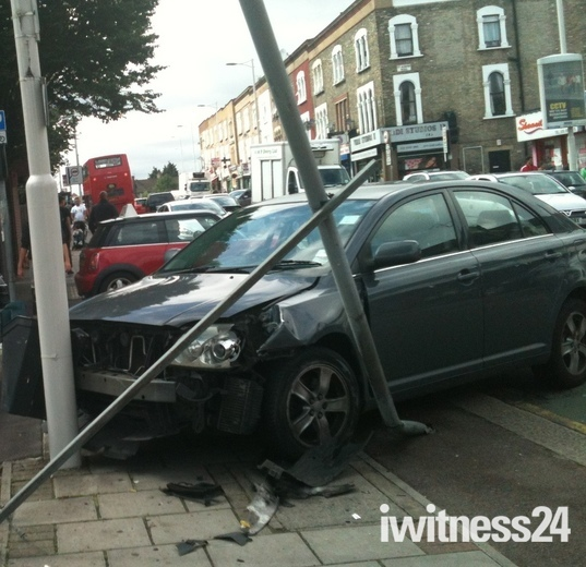 CAR CRASH - SEVEN KINGS HIGH ROAD