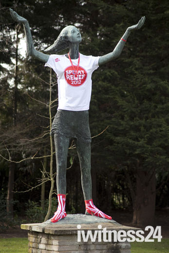 Brent statue shows support for Sport Relief