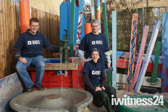 RBS volunteers revamp Glamis Playground in Shadwell