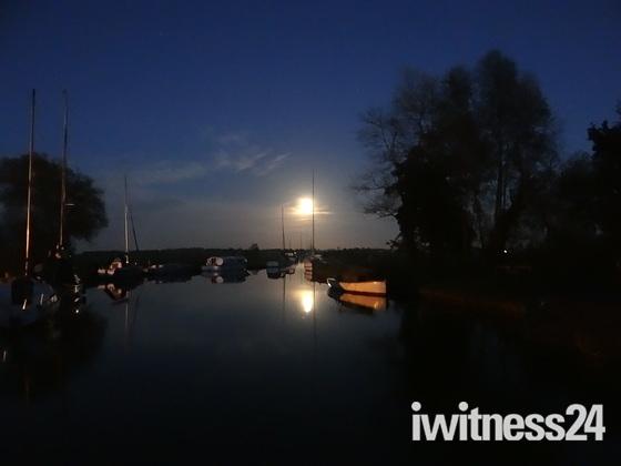 Full Red moon at Upton Boatdyke