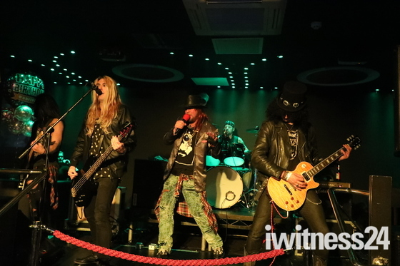 Tribute band guns 2 roses live cameo romford