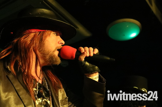 Tribute band guns 2 roses live cameo romford