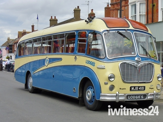 Retro Coach in Aldeburgh