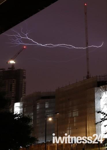 Lightning strikes Manhattan Loft gardens during London Storm