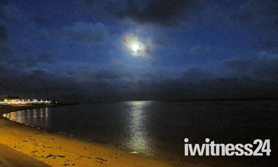 Moon over the Exe estuary