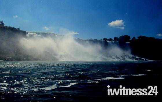 Holidays Niagara Falls D