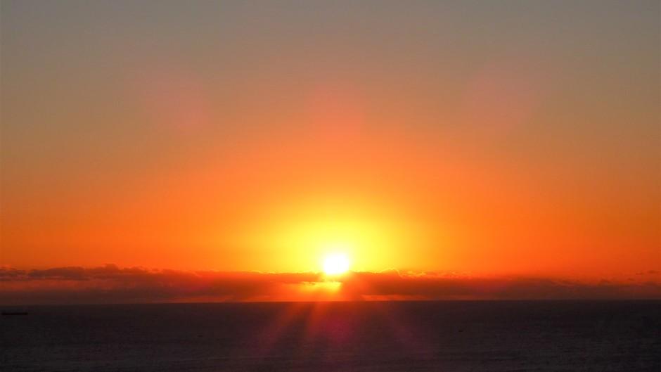 zonsopkomst middellandse zee omstreeks 07:44 uur