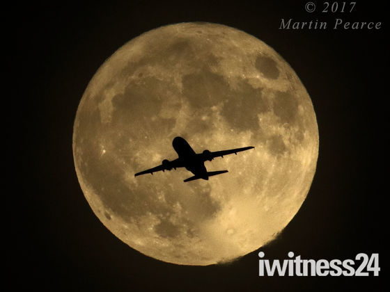 Supermoon - right place, right time