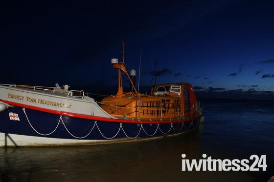 Nightime: Lifeboat