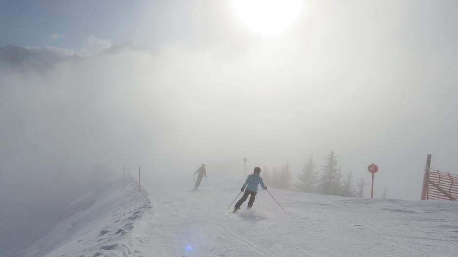 """Vanaf 1800m """"duik"""" je de mist in."""