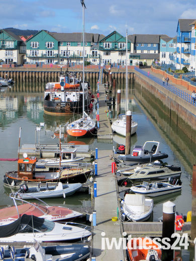 Exmouth Marina cleared prior to dredging