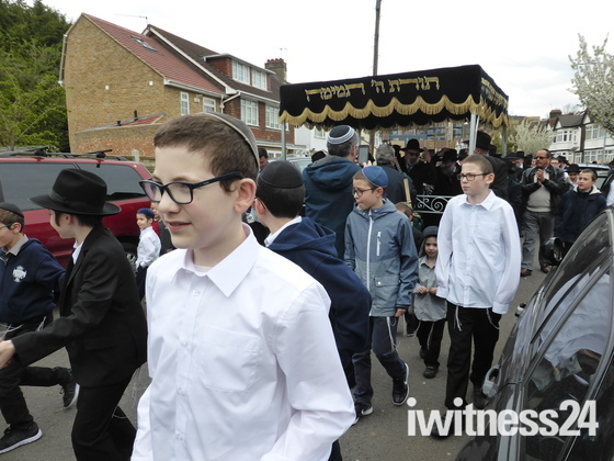 Jews Community celebrating