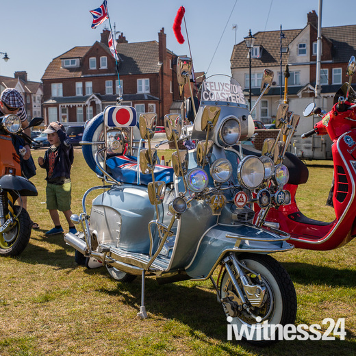 Classic Vehicles on the Prom in Felixstowe