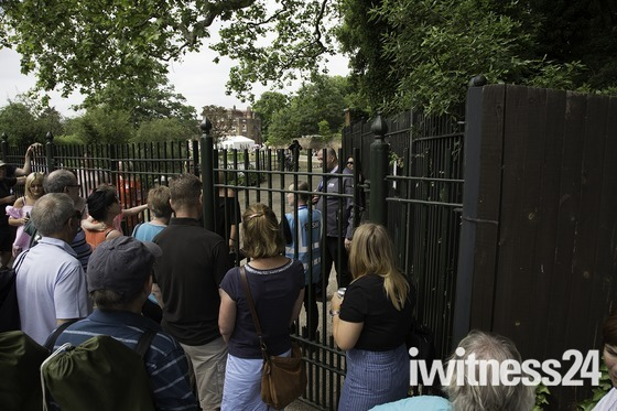 100s of people shut out of Langtons gardens for orchestra
