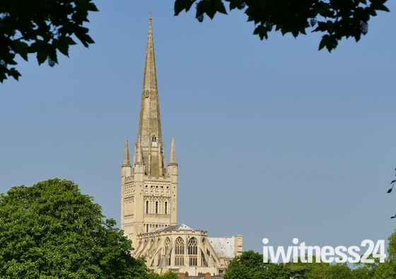 NORFOLK LANDMARKS. Norwich Cathedral