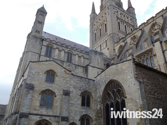 NORWICH CATHEDRAL AN ICONIC LANDMARK