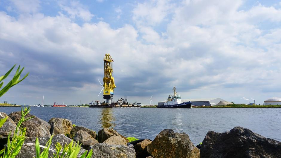 Bewolking boven het noordzeekanaal