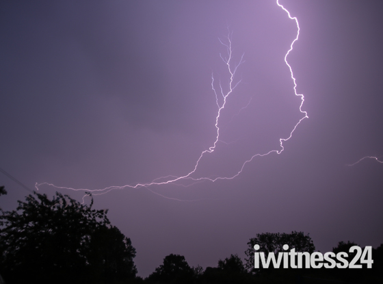 Lightning Woolpit