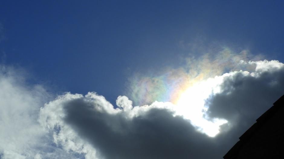 Donkere wolk voor de zon