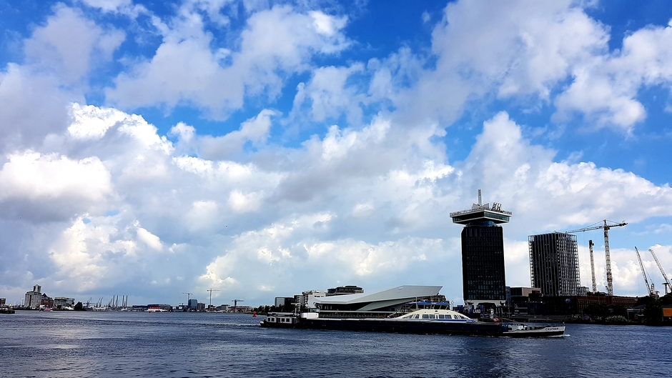 Prachtige wolken om 10.30 uur in Amsterdam