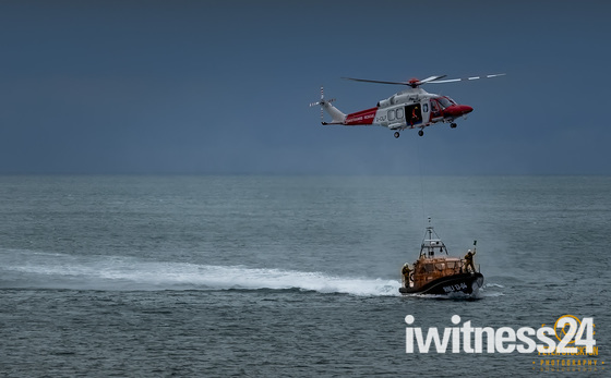 RNLI AND COASTGUARD demonstration
