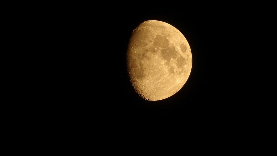 De Maan 82% zchtbaar