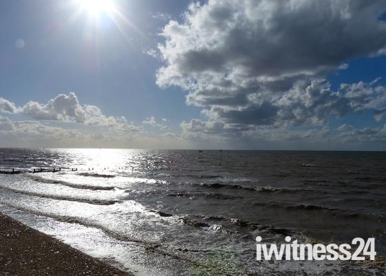 SUN ON THE SEA AT HUNTANTON