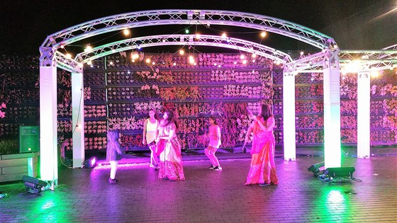 Diwali Dancing at Gallions Reach