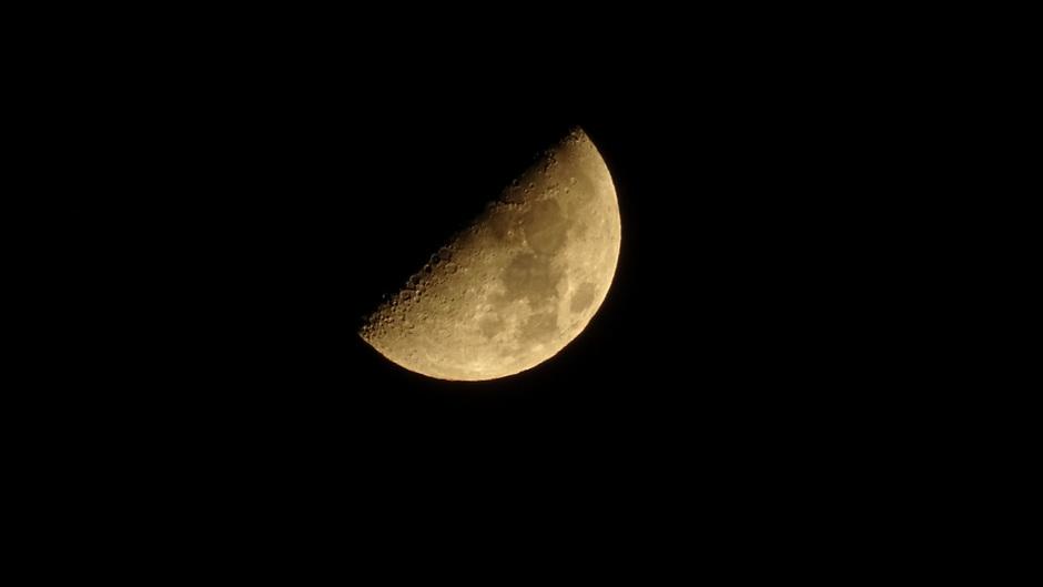 De Maan in eerste kwartier