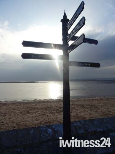 A sunny afternoon on Exmouth sea-front