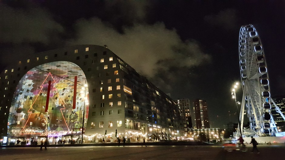 Markthal by night