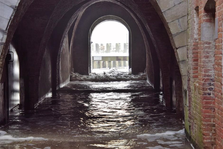 onderdoorgang onder water