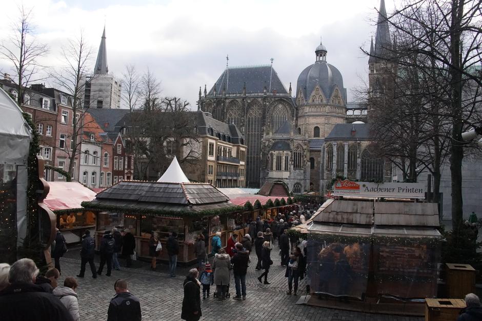 Drukte op de kerstmarkt