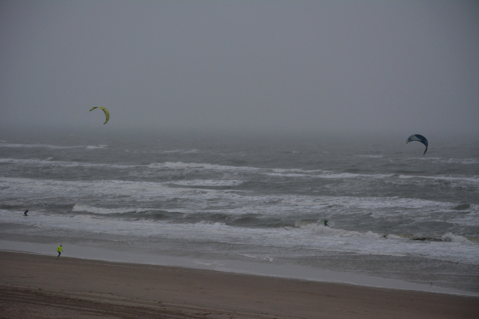 Regen en wind aan de kust