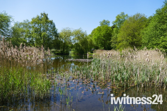 WATER, LAKE AT PENSTHORPE