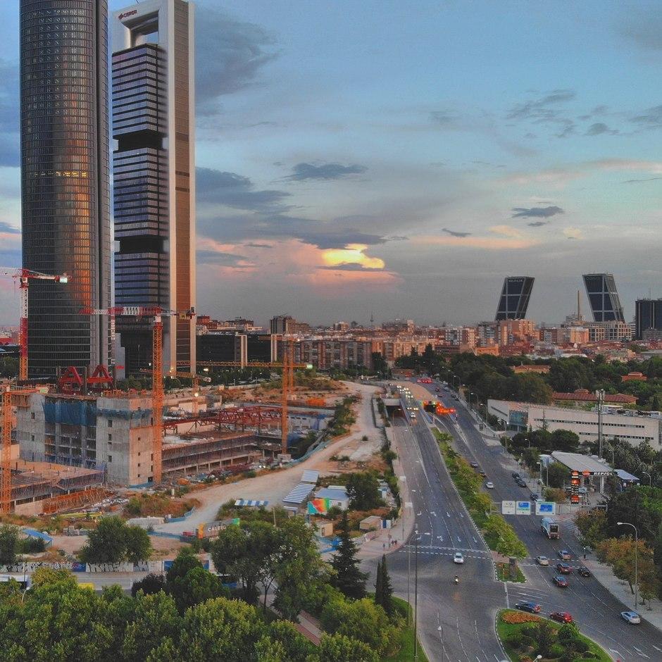 Uitbouwing van een vijfde toren in Madrid