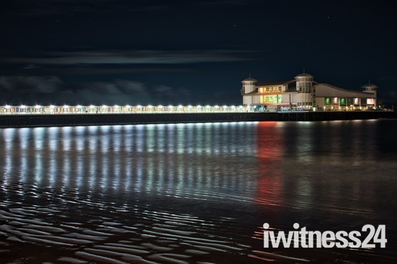 A cold winter walk along the prom