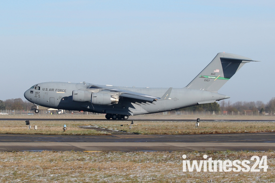 USAF C-17A arriving at Mildenhall.