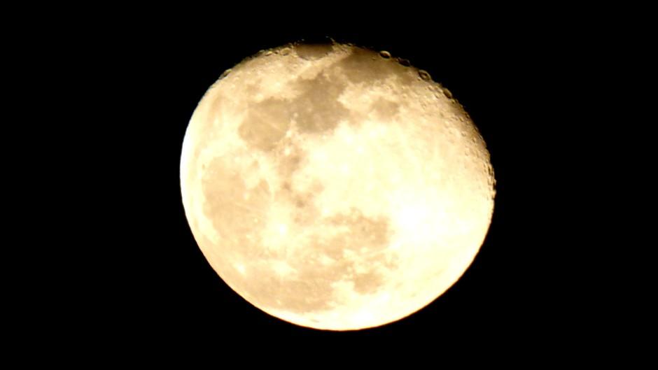 93% maan vanavond circa 21:40 uur