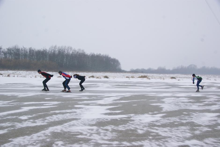 3-3-2018 1 jaar geleden sneeuw en  schaatsen