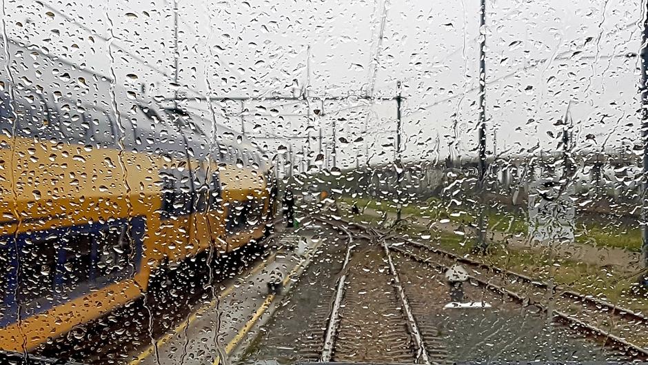 Regen om 12.00 uur in Hoofddorp