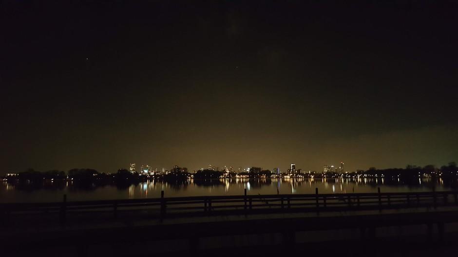 Kralingse plas by night