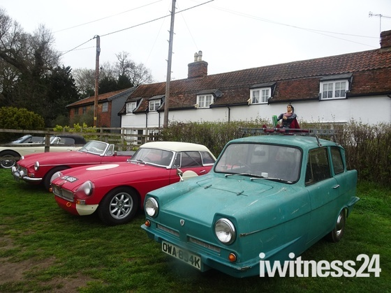 Ufford Classic Car Rally at the White Lion Inn