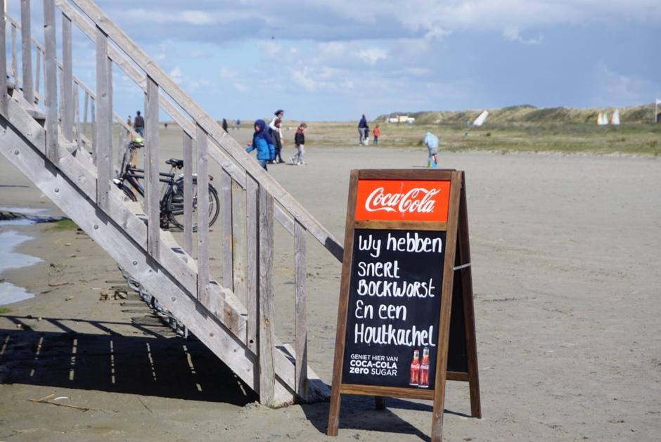 Snert op strand schiermonnikoog